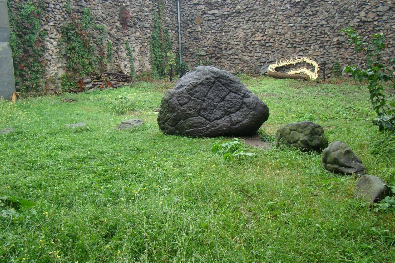 черный-камень.jpg